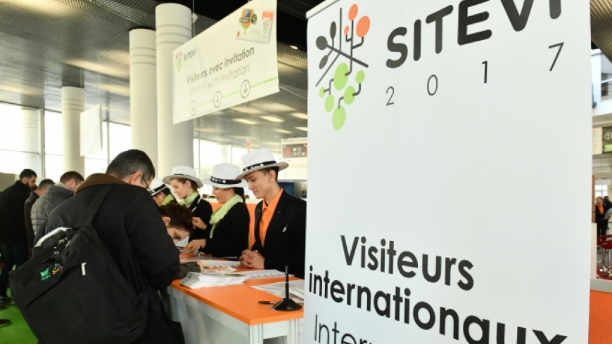 Accueille visiteurs internationaux